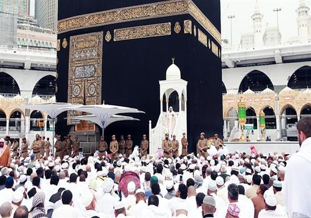 إمام المسجد الحرام يوُصي المسلمين بالحفاظُ على الدِّينِ