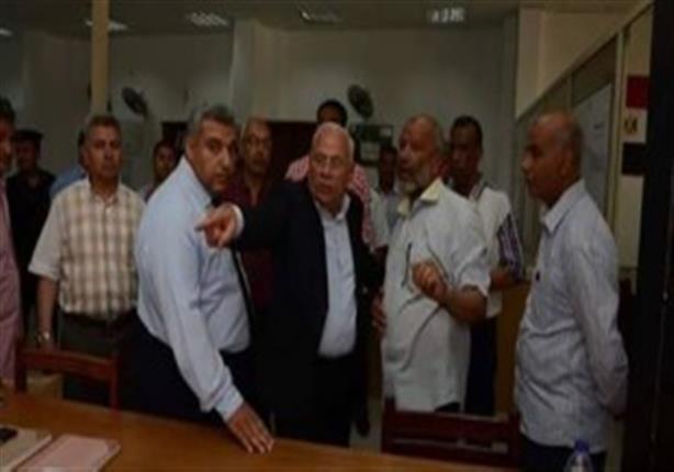 """بالفيديو- محافظ بورسعيد ردًا على شكوى مواطن: """"والمصحف ما أنا سايبه ده إخواني"""""""