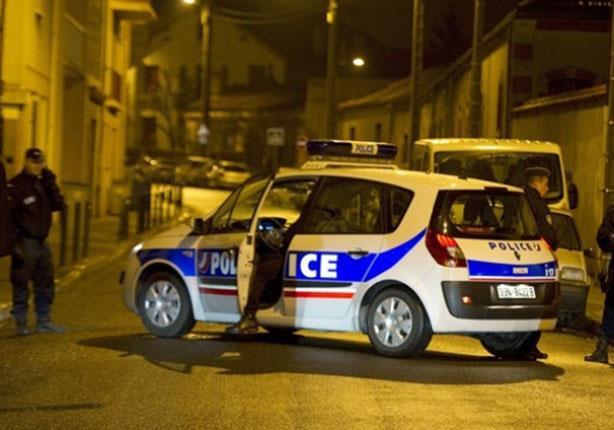 الشرطة الفرنسية تحرر الرهائن في حادث اقتحام وكالة للسفر بباريس