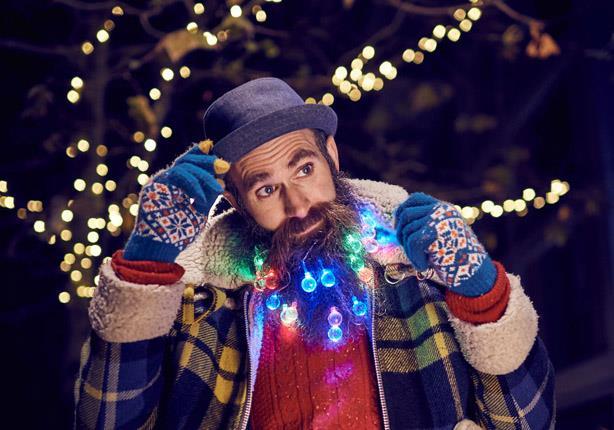 بالصور.. آخر تقاليع الموضة.. زين لحيتك بدلاً من شجرة الكريسماس!