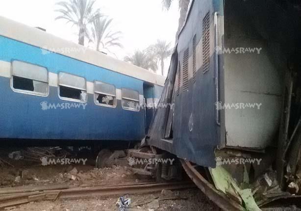 ننشر صورا جديدة من حادث انقلاب قطار الصعيد في بني سويف