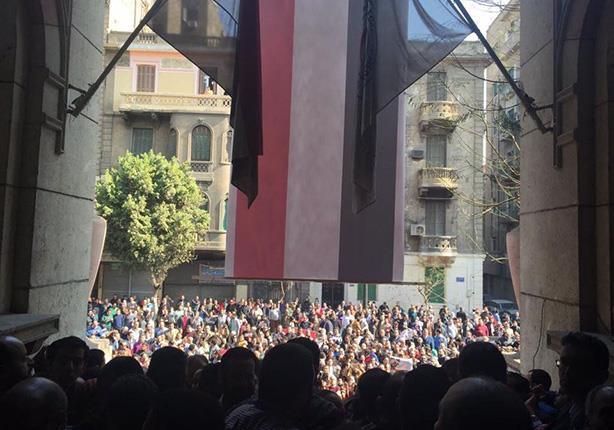 """10 صور ترصد """"الأعداد الغفيرة"""" لأطباء مصر ضد اعتداءات الداخلية"""