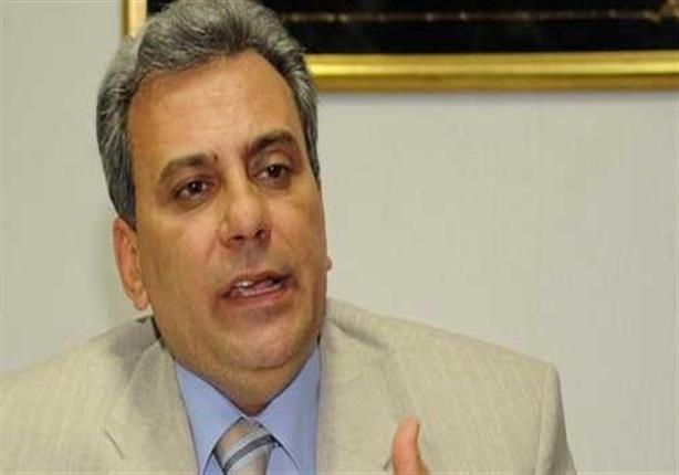 جابر نصار يحظر ارتداء النقاب للعاملين بالمستشفيات الجامعية