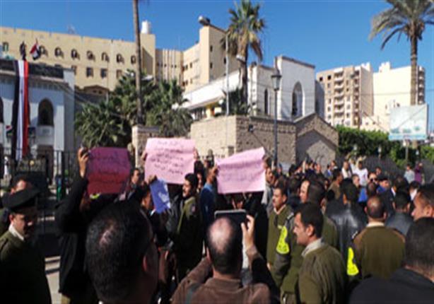 لليوم الثالث تواصل إضراب أفراد  الشرطة بالشرقية داخل قسم أول الزقازيق