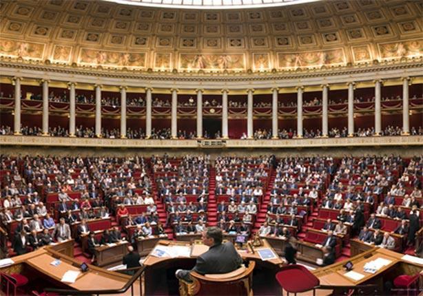 غضب في فرنسا بسبب غياب أكثر من 400 نائب خلال التصويت على إصلاح دستوري