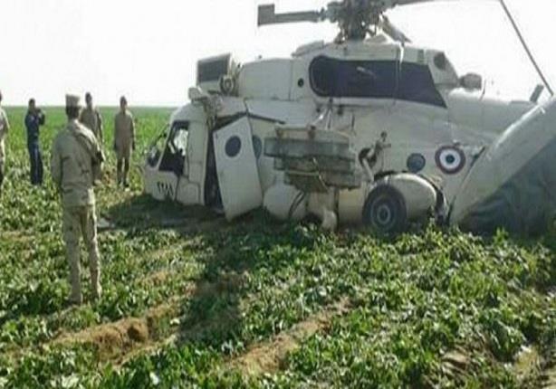سقوط طائرة هليكوبتر بأرض زراعية في مدينة ههيا بالشرقية