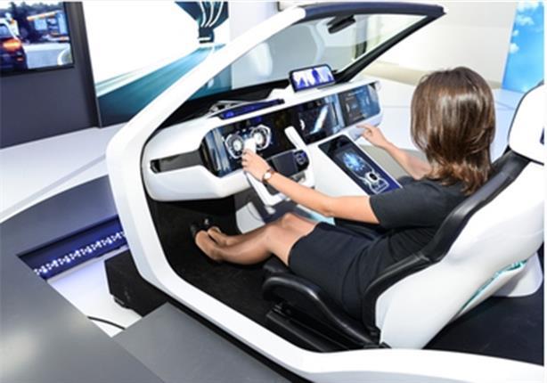 """بالصور.. """"الغمز والهمس"""" مستقبل قيادة السيارات!"""