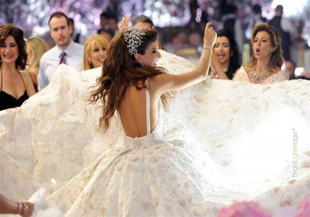 حفل ضخم آخر.. فستان زوجة ابن الوزير اللبناني يشعل مواقع التواصل