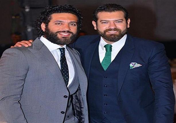 """حسن الرداد يهنئ عمرو يوسف على """"جراند أوتيل"""" والأخير يرد"""