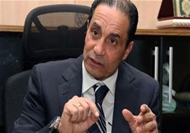 سامي عبدالعزيز: الدولة تستطيع خفض سعر الدولار إلى 10 جنيهات خلال يومين