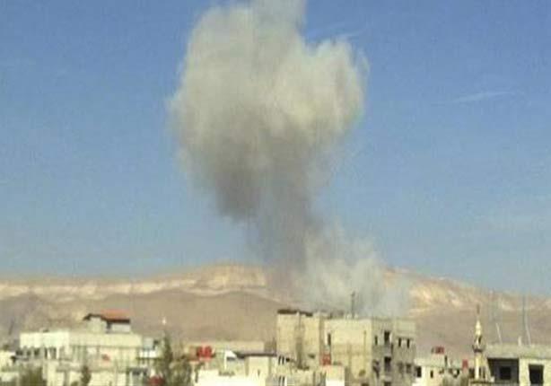مقتل ثلاثة مدنيين وإصابة رابع إثر سقوط قذيفة مجهولة على منزل بالشيخ زويد