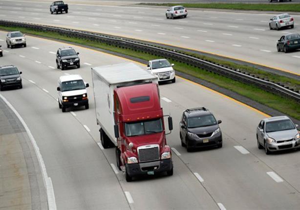"""تعلم كيفية حساب """"مسافة الأمان"""" بينك وبين السيارات الأخرى.. فيديو"""