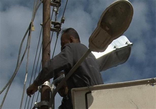 أهالي أوسيم يستنجدون بالحكومة قبل وقوع كارثة بسبب أعمدة الإنارة  - صور