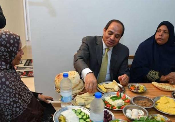ربة الأسرة التي تناول معها الرئيس الافطار تروي تفاصيل زيارته لهم