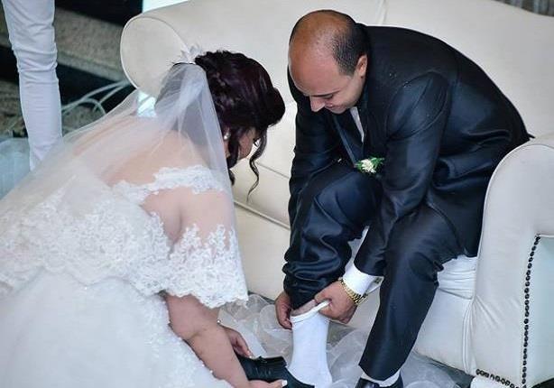 مفيدة شيحة تهاجم العروس التي غسلت قدم زوجها في الكوشة