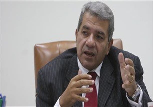 وزير المالية يصدر قرارا بتثبيت سعر الدولار الجمركي عند 5ر18 جنيه حتى نهاية فبراير