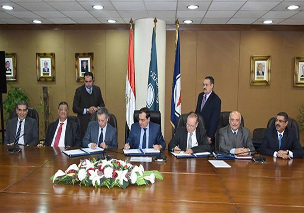 توقيع اتفاقيتين للبحث عن النفط والغاز بالصحراء الغربية وخليج السويس
