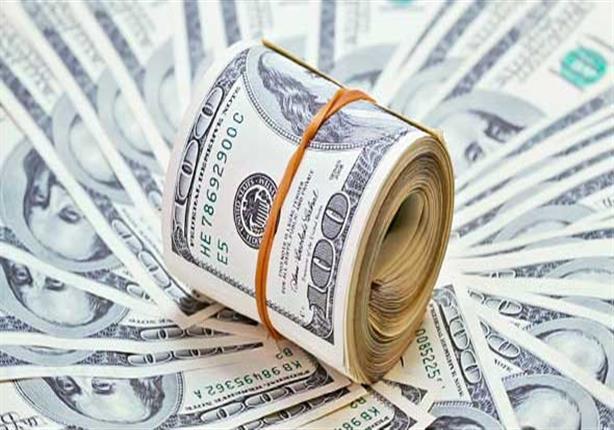 ننشر أسعار الدولار خلال التعاملات الصباحية بعد تراجعها بالبنوك الحكومية