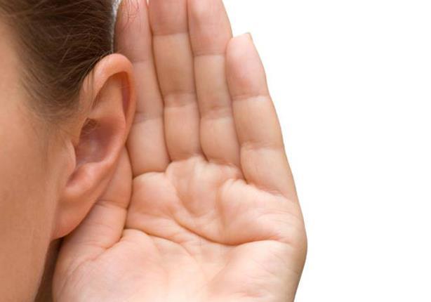 لماذا يولد الشخص الأصم أخرس؟