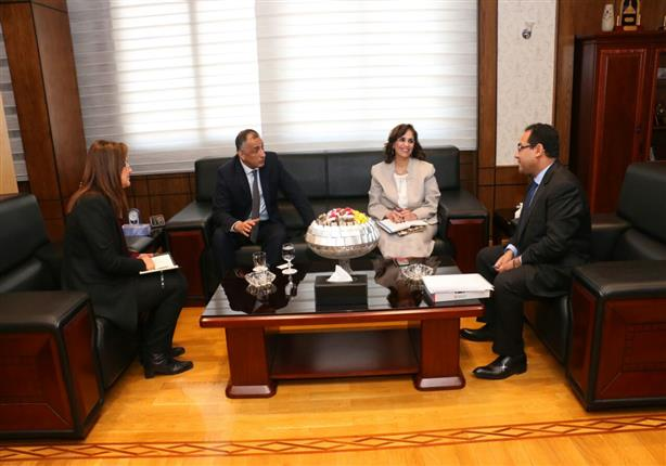وزيرة التخطيط تبحث تعزيز التعاون مع البنك المركزي وتبادل المعلومات