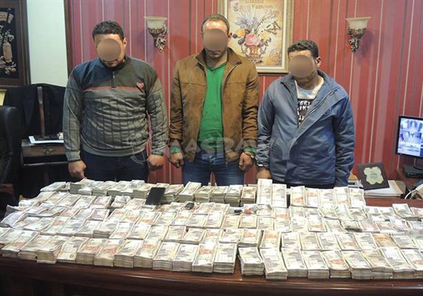 اعترافات سارقي 5 مليون جنيه من سيارة نقل الأموال المصفحة :