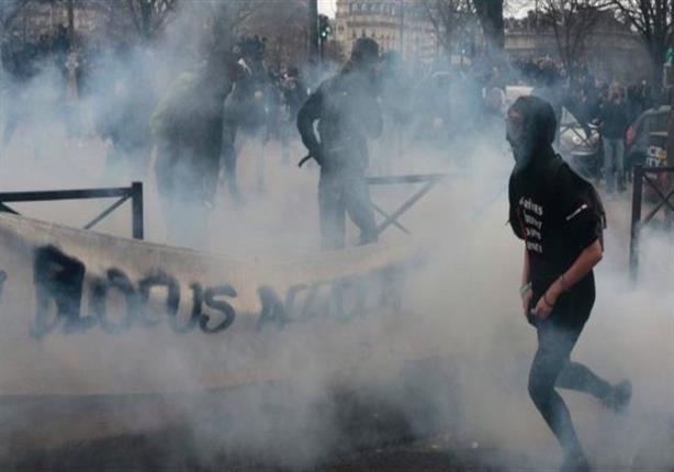 الشرطة الفرنسية تطلق الغاز على احتجاجات طلابية في باريس