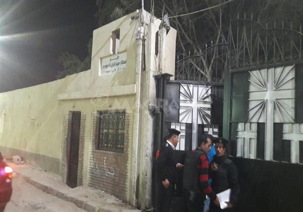 تشييع جثماني مسن ونجله ضحايا الإرهاب بسيناء من كنيسة الملاك ميخائيل في السويس