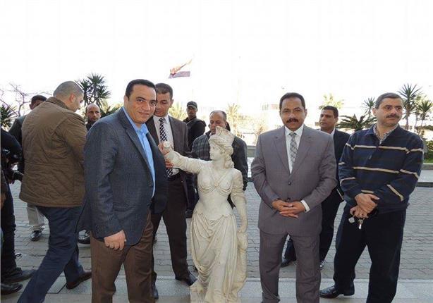 """أمن الإسكندرية يعيد تمثال """"أنطونيادس"""" ويضبط سارقيه (صور)"""
