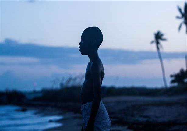 """ريفيو- رحلة فتى أسود يبحث عن نفسه تحت """"ضوء القمر"""""""