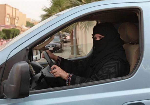 أمير سعودي يكشف موعد السماح للنساء بقيادة السيارات في المملكة