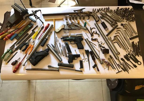 سقوط خراط لتصنيعه أسلحة نارية والاتجار بها في الساحل (صور)