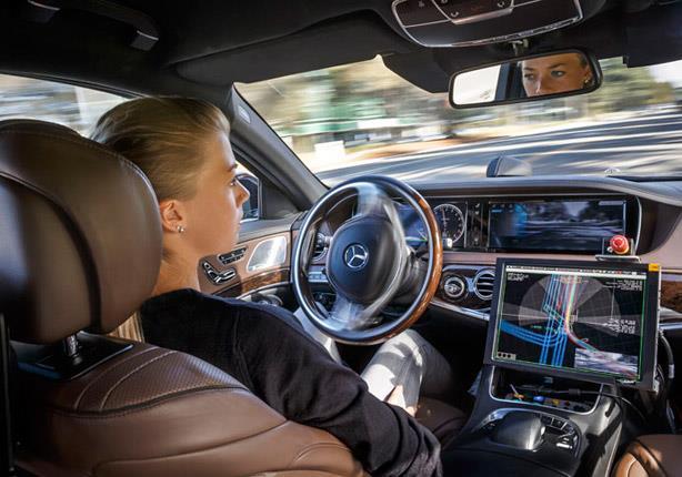 الذكاء الصناعي في السيارات.. على الطريق السريع