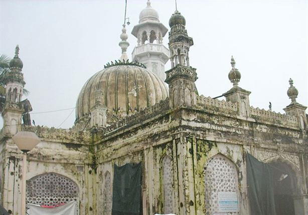 بالصور: مسجد حاجي علي دراغا.. أثر إسلامى شاهد على العصر منذ 500 عام