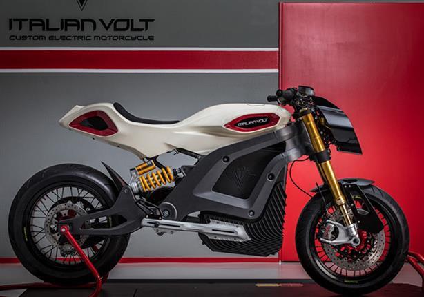 شركة إيطالية تكشف عن دراجة نارية خارقة تعمل بالكهرباء.. صور