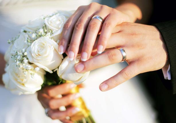 بالفيديو- هذا ما فعله ساحر وعروسه في حفل زفافهما