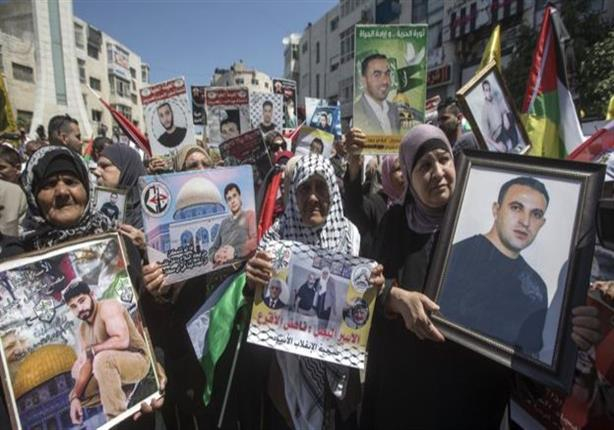 الاندبندنت: انتفاضة جديدة على الأبواب إذا هلك أي أسير فلسطيني مضرب عن الطعام