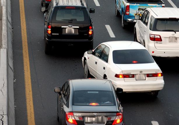 مقدار الزمن الذي يوفره السائق أثناء التنقل بين الحارات على الطريق