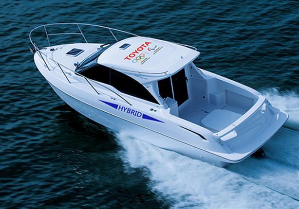 تويوتا تكشف النقاب عن قارب يعمل بمحرك سيارة لاند كروزر