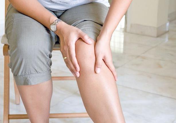 وضعيات جلوس تؤذي ركبتك.. تعرف عليها