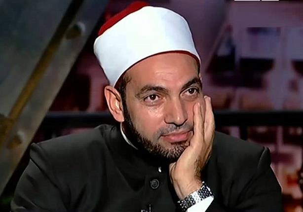 سالم عبد الجليل يعتذر على الهواء للأقباط - فيديو