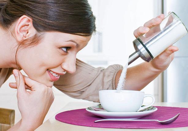 6 علامات تدل على أنك تتناول الكثير من السكر
