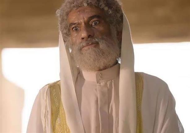 سيد رجب يفسر الآيات والأحاديث لخدمة  داعش  في  غرابيب سود