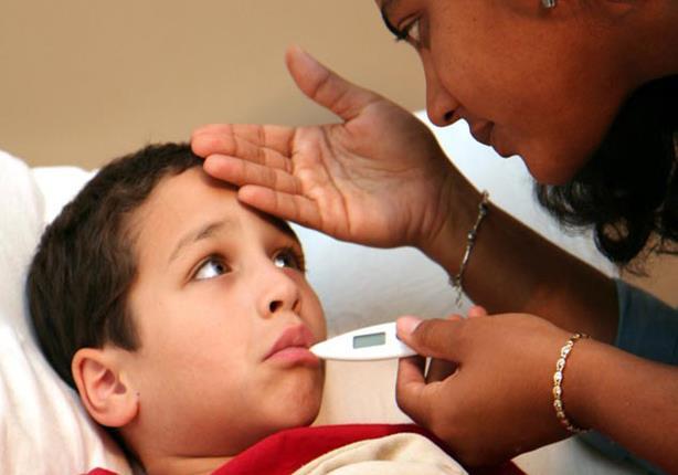 حقيقة تسبب البطيخ والخوخ في إصابة الأطفال بالنزلات المعوية