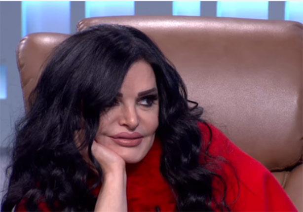 فيديو.. نضال الأحمدية: عمرو دياب حاقد ولا يضيف لي