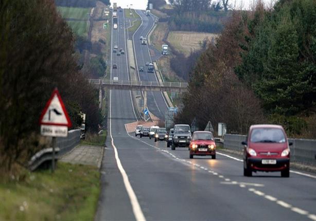 من أجل البيئة.. انجلترا تسعى لرصف طرق السيارات بالبلاستيك