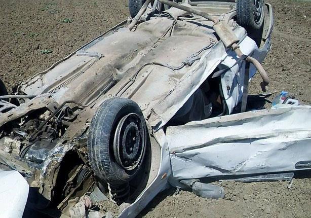 سقوط سيارة ميكروباص بترعة الجيزاوية في العياط