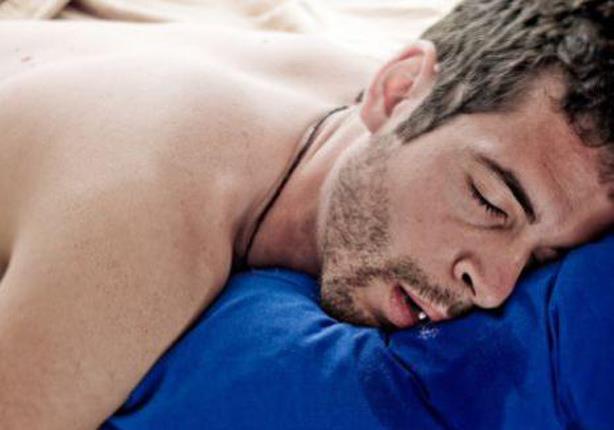 ماذا يعني وجود لعاب على وسادتك عند الاستيقاظ؟