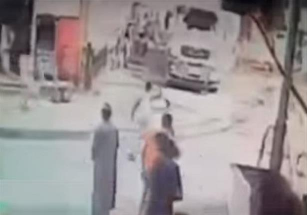 سائق ينقذ أهالي القناطر الخيرية من كارثة - فيديو