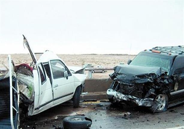 إصابة 3 أشخاص إثر تصادم سيارتين بطريق الفيوم الصحراوي