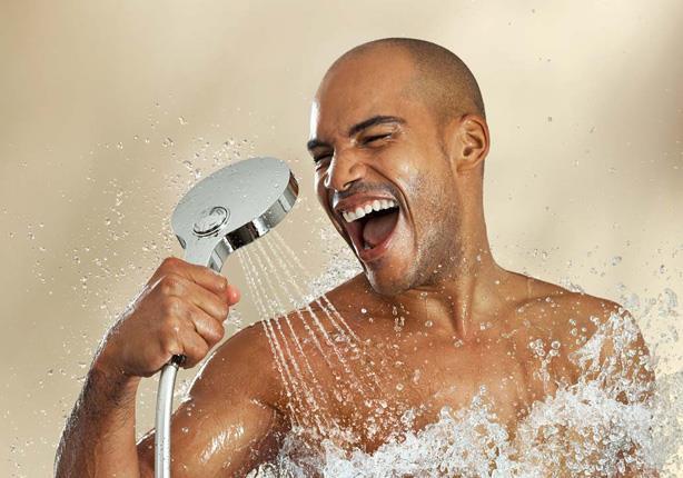 الاستحمام بهذه الطريقة يساعد في إنقاص الوزن